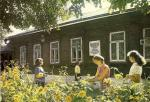 Дом №7 по ул. Садовой с мемориальной доской в память о том, что в нем какое-то время проживал К.Э. Циолковский.
