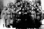 Группа девушек Рязанской области, прошедших начальную военную подготовку в г. Химки Моск. области, после принятия присяги.